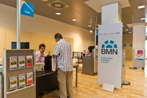 Bmn reduce en viviendas su riesgo inmobiliario el faro for Horario oficinas bmn