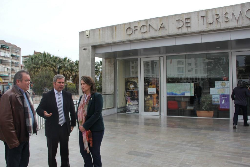 La oficina de turismo ha atendido a cerca de 80 mil for Oficina turismo andalucia