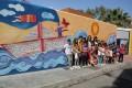 LA ALCALDESA CON LOS NIÑOS DEL VARADERO JUNTO A LA PINTURA REALIZADA (Foto: El Faro)