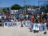 PARTICIPANTES Y ORGANIZADORES ANIMANDO A JAVIER RUBIÑO (Foto: El Faro)