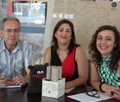 PRESENTACIÓN DE 'LOS SECRETOS DE LA NOCHE' CON FRANCISCO RUIZ (i), EVA RUIZ (c) Y ALICIA CRESPO (d) (Foto: El Faro)