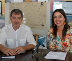 ALICIA CRESPO Y FERMÍN ANGUITA EN LA PRESENTACIÓN DE LAS RUTAS (Foto: El Faro)