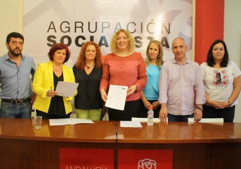 LOS SOCIALISTAS COMPARECEN PARA EXIGIR EL COMPROMISO DEL PRESIDENTE RAJOY CON LA COSTA TROPICAL (Foto: El Faro)