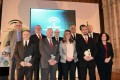 La presidenta de la Junta entrega los Premios An-dalucía de Investigación, que reconocen el fomento de la labor científica. En la instantánea, la presidenta de la Junta y los premiados (Foto: El Faro)