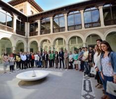 La delegada del Gobierno, Sandra García, y la rectora, Pilar Aranda, en una recepción de bienvenida de practicum de la Facultad de Ciencias Políticas (Foto: El Faro)