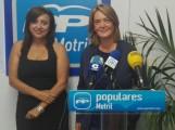 LUISA GARCÍA CHAMORRO (dcha) Y ÁNGELES LÓPEZ, EN RUEDA DE PRENSA (Foto: el Faro)