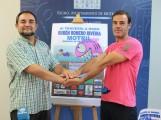 Miguel Ángel Muñoz y Antonio Jiménez Lamiquiz en la presentación de la III Travesía a nado Rubén Romero Riveira (Foto: El Faro)