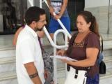 VANESA CONVERSA CON MIEMBROS DE LA FORMACIÓN PODEMOS (Foto: El Faro)