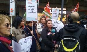 CONCENTRACIÓN DE LAS TRABAJADORAS DE LA EMPRESA 'CLAROS' (Foto: Archivo El Faro)