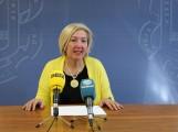 La teniente de alcalde de Formación y Empleo, María Ángeles Escámez, en rueda de prensa (Foto: El Faro)