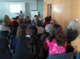 Momento de la charla explicativa del taller sobre el Cáncer de Cérvix (Foto: El Faro)