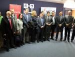 Representantes de partidos políticos, instituciones como Ayto Motril y agentes económicos y sociales antes de la reunión por la línea con Melilla (Foto: El Faro)