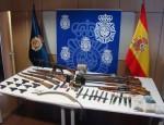 ARSENAL DE ARMAS INTERVENIDO POR LOS AGENTES DE LA POLICÍA NACIONAL (foto: P. Nacional)