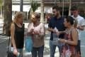 Foto de archivo de los jóvenes socialistas entregando material informativo en Motril (Foto: Archivo El Faro)