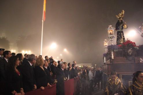 TRIBUNA OFICIAL DE LA MAGNA CON LAS AUTORIDADES DE LA CIUDAD, ANTE EL PASO DE NTRO. PADRE JESÚS NAZARENO (Foto: El Faro)