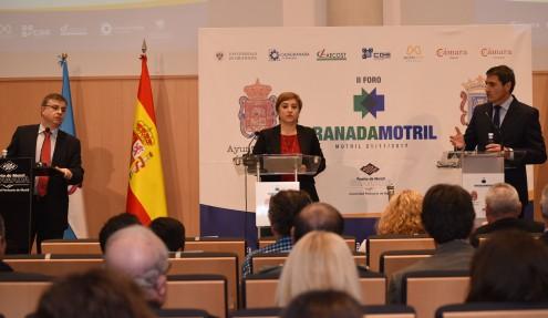 LA DELEGADA DE LA JUNTA EN GRANADA, SANDRA GARCÍA, INTERVIENE EN EL II FORO GRANADA-MOTRIL (Foto: El Faro)