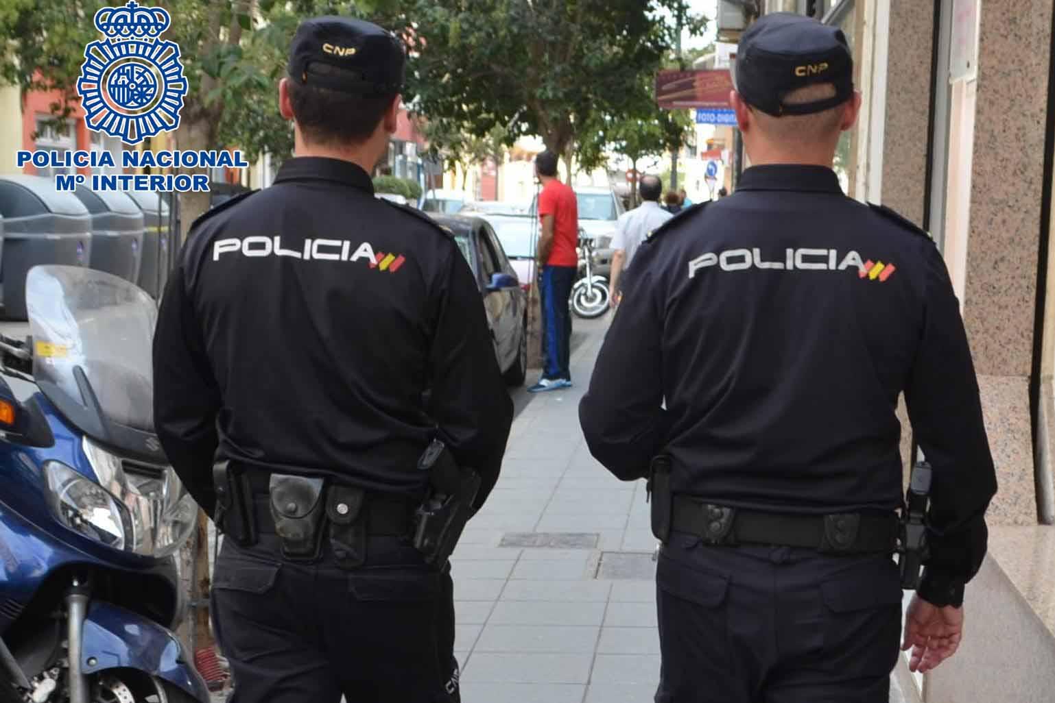 Polic A Local Agentes En Labores De Vigilancia Y