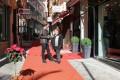 Antonio Bueno y Susana Feixas en la calle Ventura de Motril (Foto: El Faro)