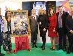 La alcaldesa de Motril y los tenientes de alcalde Antonio Escaìmez y Alicia Crespo en la presentacioìn del cartel oficial de Semana Santa en Fitur 2018 (Foto: El Faro)