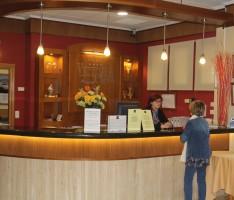 RECEPCION DEL HOTEL VICTORIA PLAYA DE ALMUÑECAR. (Foto: El Faro)
