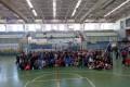 FOTO DE FAMILIA DE CENTROS PARTICIPANTES Y ORGANIZADORES EN EL TORNEO DE VOLEIBOL (Foto: El Faro)
