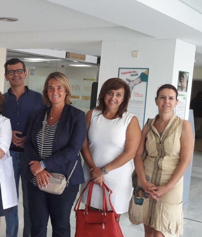 LOS POPULARES EN SU VISITA AL HOSPITAL MOTRILEÑO (Foto: El Faro)