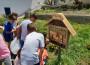 ALUMNOS INSTALAN UN HOTEL DE INSECTOS POLINIZADORES (Foto: El Faro)