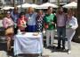 Flor Almón, Gregorio Morales y Francisco Sánchez-Cantalejo junto a la AECC en la mesa anual de cuestación (Foto: El Faro)