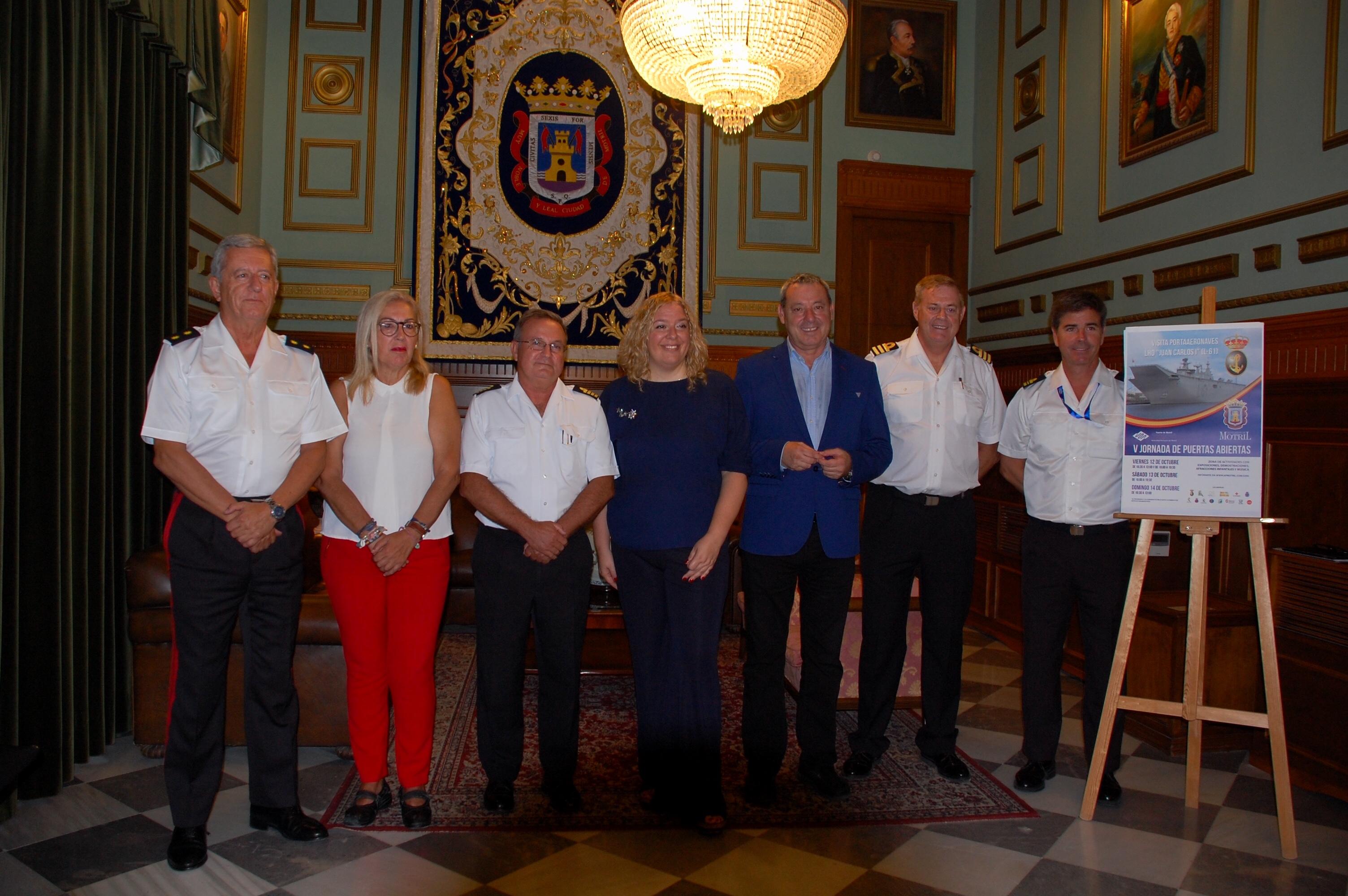 Foto presentación visita del portaaeronaves Juan Carlos I a Motril (Foto: El Faro)