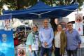 Gregorio Morales (cntro) junto a los miembros de AGRAJER en el stand informativo (Foto: El Faro)