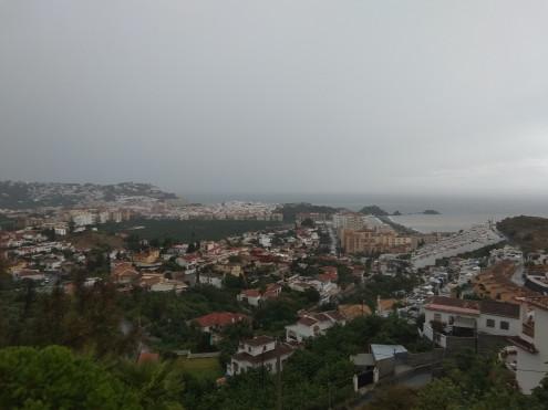 ALMUÑECAR BAJO LA LLUVIA (Foto: El Faro)