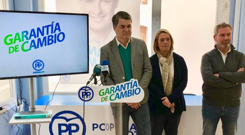 CARLOS ROJAS Y LUISA GARCIA CHAMORRO (Foto: Archivo El Faro)