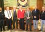 Flor Almón, Antonio Escámez y el presidente de Diputación junto a los representantes de la Comunidad de Regantes