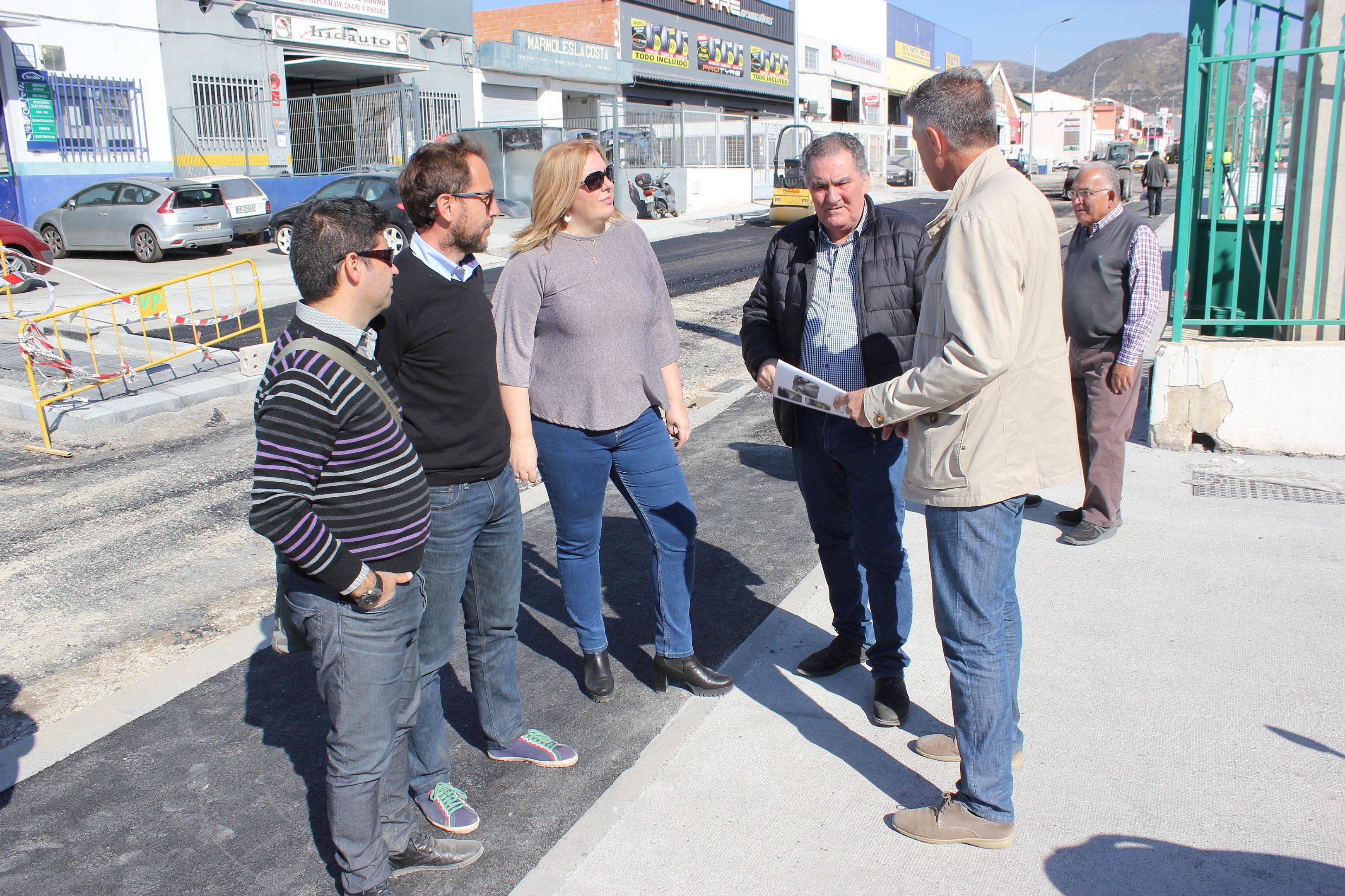 Flor Almón y Antonio Escámez en la visita a las obras del Vadillo