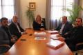 Momento de la reunión entre la alcaldesa, Flor Almón, y el nuevo presidente de AECOST, Jerónimo Salcedo