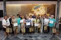 FOTO DE FAMILIA DE ORGANIZADORES Y PARTICIPANTES EN EL CURSO LITERARIO