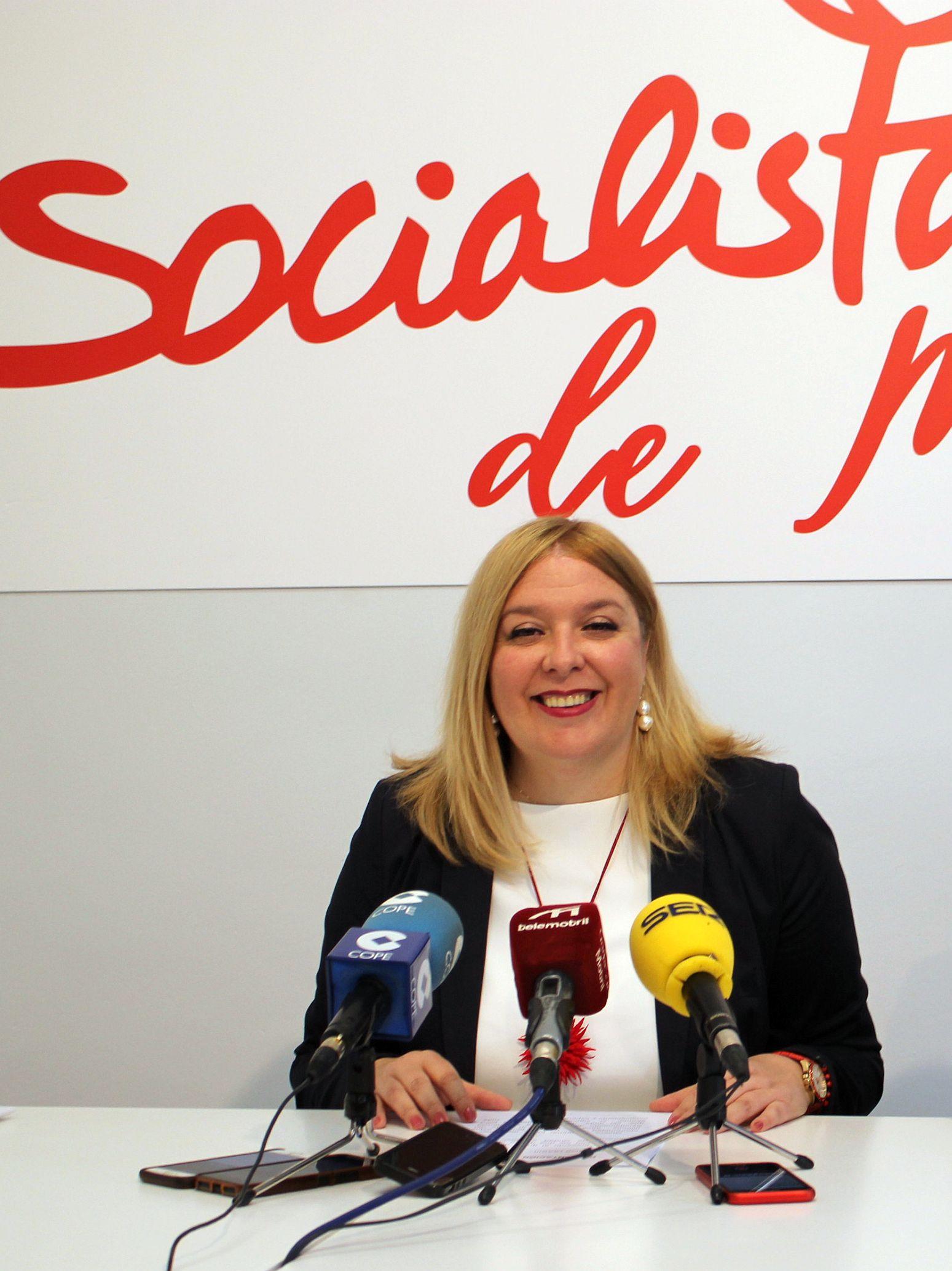 Flor Almón en rueda de prensa (Foto: Archivo El Faro)